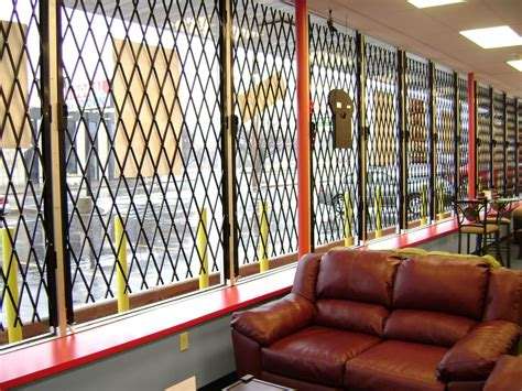 Commercial Doors - S04™ Concertina Safety Screen System
