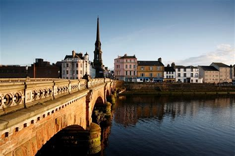 Ayr Visitor Guide - Accommodation, Things To Do & More
