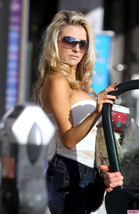 Courtney Stodden in White Tank-Top and Jeans – HawtCelebs