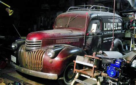 Lionel Train House Find: 1946 Chevy Panel Truck