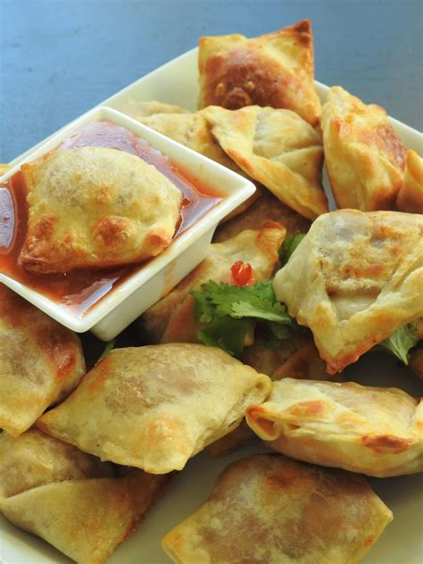 Thai Red Curry Puffs - A Great Appetizer, Snack or Party